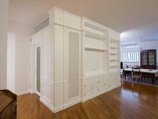 Classic style living room by Falegnameria Grelli Danilo Classic