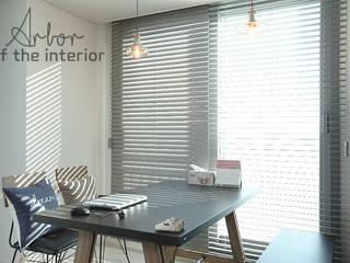 인천 송도신도시 더샵 그린스퀘어 38평 아늑한 아파트실내인테리어: 디자인 아버의  다이닝 룸,모던