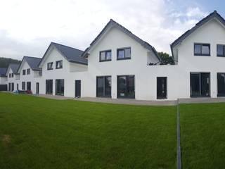 Neubau von 6 Einfamilienhäusern in Schötmar, in zentraler Lage von Bad Salzuflen:   von Bas Architekten