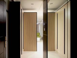 築一國際室內裝修有限公司 Pasillos, vestíbulos y escaleras modernos