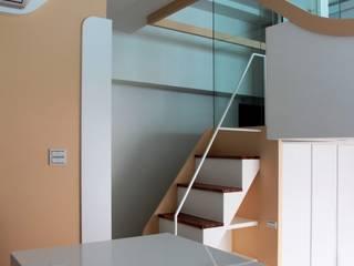 築一國際室內裝修有限公司 Comedores de estilo moderno