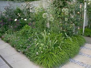 Сады в . Автор – Elks-Smith Landscape and Garden Design