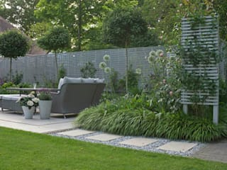 Surrey Garden: classic Garden by Elks-Smith Landscape and Garden Design