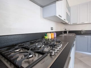 Modern kitchen by Falegnameria Grelli Danilo Modern