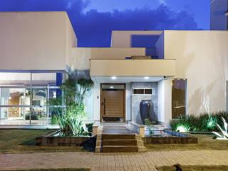 Casa Dr Italo Casas modernas por Misael Cardoso Arquitetura Moderno