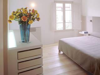 Mediterranean style bedroom by roberto lazzeroni Mediterranean