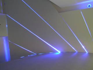 Modern walls & floors by Pecoramelloarchitetti Modern