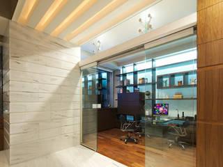 Pent House Reforma: Estudios y oficinas de estilo  por Lazza Arquitectos