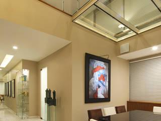 Puente de cristal: Comedores de estilo  por Lazza Arquitectos