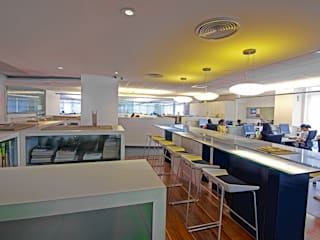 INI OFFICE by INI INFRASTRUCTURE & ENGINEERING Modern