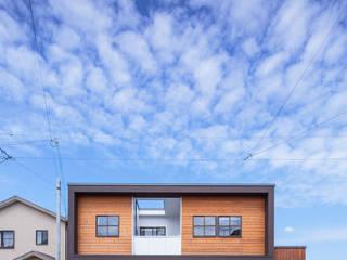 モンガタノイエ: 一級建築士事務所シンクスタジオが手掛けた家です。