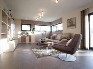 Ruang Keluarga by FingerHaus GmbH