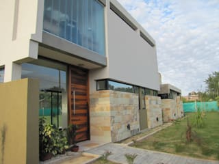 Modern houses by DUA Arquitectos Modern