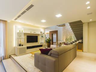 Salones de estilo moderno de Melo Mesquita Arquitetura Moderno