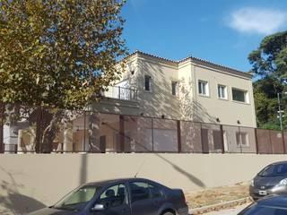 CASA MODERA y GEOTERMICA. EFICIENCIA ENERGETICA. SUSTENTABLE. Casas mediterráneas de Family Houses Mediterráneo