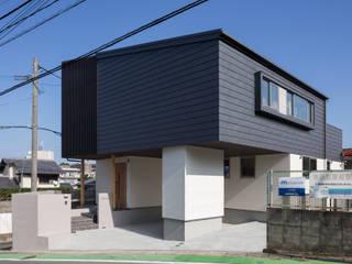 小笹の長期優良住宅infukuoka: アラタデザイン 一級建築士事務所が手掛けた家です。