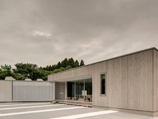 Orandajima House:  Walls by van der Architects,