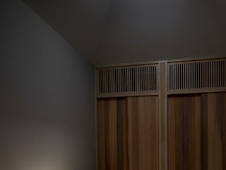 Orandajima House:  Nursery/kid's room by van der Architects,