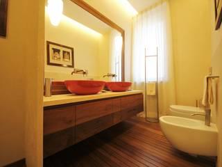 Casas de banho modernas por Falegnameria Ferrari Moderno