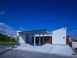 Rumah oleh 一級建築士事務所シンクスタジオ, Modern