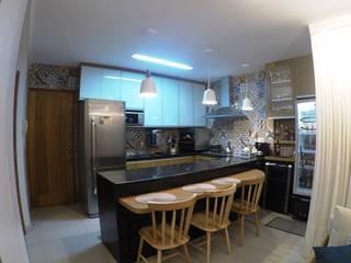 Duplex Cozinhas rústicas por Novark Arquitetura e Design Rústico