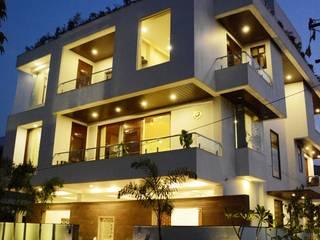 SURAJ - BUNGALOW VB Design Studio Modern houses White
