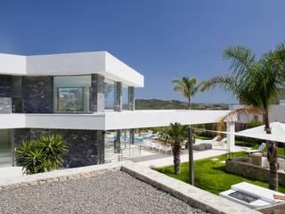 Villa Prometheus Casas de estilo moderno de Miralbo Urbana S.L. Moderno