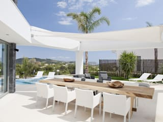Naya Balcones y terrazas de estilo moderno de Miralbo Urbana S.L. Moderno