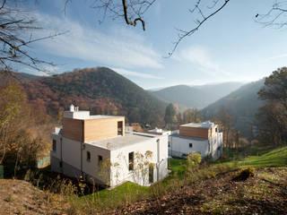 Villenanlage Hinterbrühl Moderne Häuser von illichmann-architecture Modern