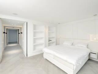 PENTHOUSE AMSTERDAM:  Slaapkamer door J.PHINE