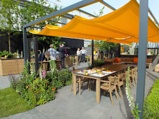 RHS Chelsea Flower Show 2017 - Gaze Burvill Tradestand:  Commercial Spaces by Aralia