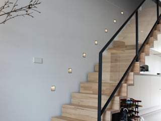 PU-gietvloer als basis voor een warm interieur: modern  door Motion Gietvloeren, Modern