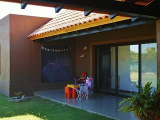 Galería: Casas de estilo  por Abitar arquitectura