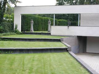 facelift woning Doetinchem:  Tuin door Maartje Kaper Architecte BNA