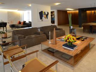 Apartamento PT (São Paulo): Salas de estar  por Maneco Quinderé e associados