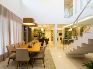Modern dining room by Join Arquitetura e Interiores Modern