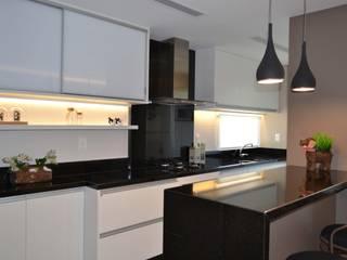 Cocinas de estilo  por Join Arquitetura e Interiores,