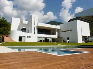 Los Cristales Albercas modernas de Diseño 102 Moderno