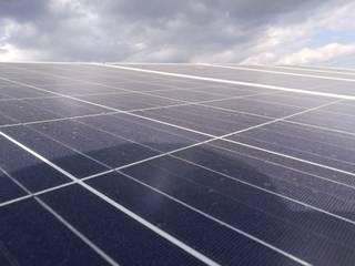 Kit Sistema Fotovoltaico Interconectado Básico - Tarifa Anti DAC: Casas de estilo  por GHS Tecnologias S.A de C.V