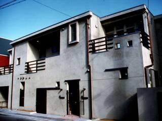 二世帯住宅 HOUSE モダンな 家 の HASAS 一級建築士事務所 長谷川健吾建築設計事務所 モダン