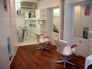美容室 HAIR SALON - CH モダンな商業空間 の HASAS 一級建築士事務所 長谷川健吾建築設計事務所 モダン