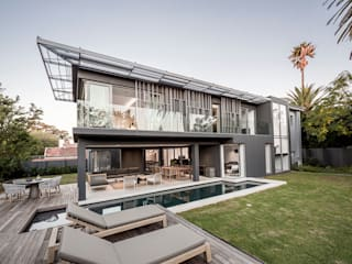 GSQUARED architects Casas modernas Mármol Gris