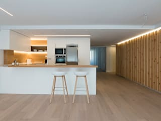 estar-comedor-cocina: Cocinas de estilo  de Voilà!