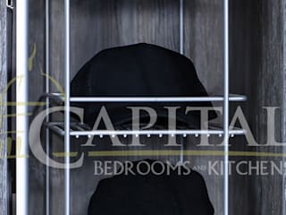 Contemporary walk-in wardrobe: modern  by Capital Bedrooms, Modern