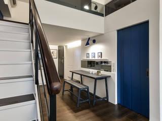 藍調小品 現代風玄關、走廊與階梯 根據 存果空間設計有限公司 現代風