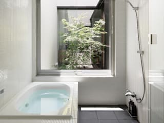 Modern Bathroom by atelier137 ARCHITECTURAL DESIGN OFFICE Modern Tiles