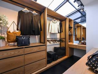 存果空間設計有限公司의  드레스 룸,