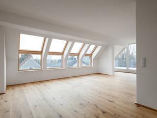 Wohnhaus Korneuburg Moderne Wohnzimmer von illichmann-architecture Modern
