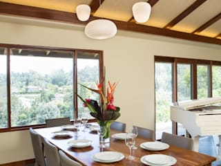 Sapele House:  Dining room by LeMaster Architects