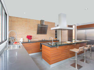 Kitchen by ATELIER CASA S.A.S,